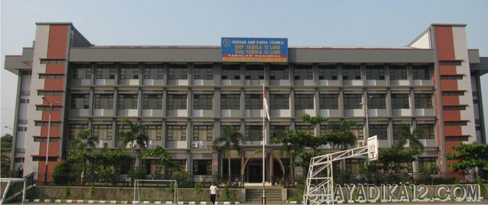 SMA Yadika 12