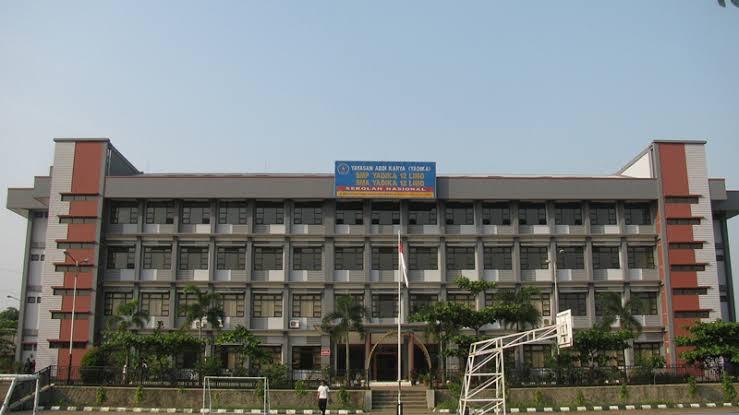 Gedung SMA Yadika 12